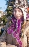 χιόνι παιχνιδιού κοριτσιών Στοκ φωτογραφία με δικαίωμα ελεύθερης χρήσης