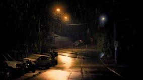 Χιόνι που αφορά το δρόμο στην πόλη φιλμ μικρού μήκους