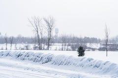 Χιόνι που εμπίπτει στην επαρχία Στοκ φωτογραφία με δικαίωμα ελεύθερης χρήσης