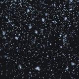Χιόνι που πέφτει τη νύχτα Στοκ εικόνα με δικαίωμα ελεύθερης χρήσης
