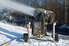 χιόνι πυροβόλων όπλων Στοκ εικόνα με δικαίωμα ελεύθερης χρήσης