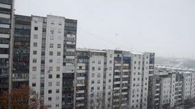 Χιόνι σε μια πόλη φιλμ μικρού μήκους