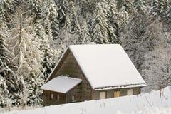 χιόνι σπιτιών Στοκ φωτογραφία με δικαίωμα ελεύθερης χρήσης