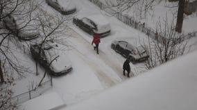 Χιόνι στη γειτονιά απόθεμα βίντεο