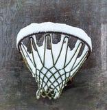 Χιόνι στο στόχο καλαθοσφαίρισης Στοκ εικόνες με δικαίωμα ελεύθερης χρήσης