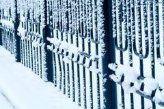 Χιόνι στο φράκτη Στοκ Φωτογραφίες