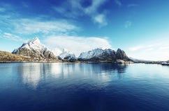 Χιόνι στο χωριό Reine, νησιά Lofoten, Νορβηγία Στοκ Εικόνα