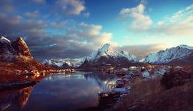 Χιόνι στο χωριό Reine, νησιά Lofoten, Νορβηγία Στοκ εικόνες με δικαίωμα ελεύθερης χρήσης