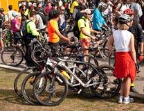 Χιλιάδες που διαμαρτύρονται για τις γραμμές ποδηλάτων στο Βουκουρέστι Στοκ εικόνες με δικαίωμα ελεύθερης χρήσης