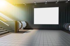 Χλεύη επάνω στην επίδειξη αγγελιών προτύπων μέσων αφισών στην κυλιόμενη σκάλα σταθμών μετρό τρισδιάστατη απόδοση στοκ εικόνες