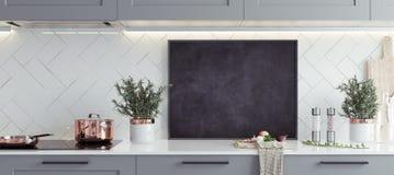 Χλεύη επάνω στο πλαίσιο αφισών στο εσωτερικό, Σκανδιναβικό ύφος κουζινών, πανοραμικό υπόβαθρο στοκ εικόνες