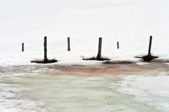 Χλωμιάζει και συσσωρεύει και χιόνι Στοκ Εικόνες