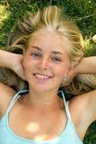 χλόη κοριτσιών Στοκ Φωτογραφίες