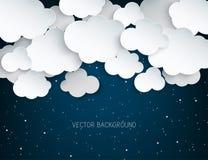 Χνουδωτά σύννεφα τέχνης εγγράφου και λάμποντας αστέρια στα μεσάνυχτα διανυσματική απεικόνιση
