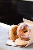 Χνουδωτά βερνικωμένα doughnuts Στοκ Φωτογραφίες