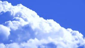 Χνουδωτό υπόβαθρο χρονικού σφάλματος κινηματογραφήσεων σε πρώτο πλάνο σύννεφων cloudscape απόθεμα βίντεο