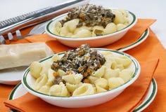 χοιρινό κρέας ζυμαρικών σ&upsilo στοκ φωτογραφίες