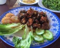 Χοιρινό κρέας με τα λαχανικά για το μεσημεριανό γεύμα Στοκ φωτογραφία με δικαίωμα ελεύθερης χρήσης