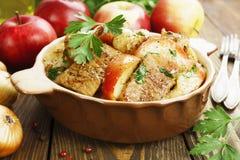 Χοιρινό κρέας με τα appls Στοκ Φωτογραφίες