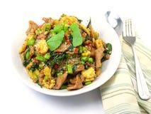 Χοιρινό κρέας με το βασιλικό και το ρύζι στοκ εικόνες