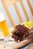 χοιρινό κρέας πιάτων που ψήν&ep Στοκ φωτογραφία με δικαίωμα ελεύθερης χρήσης