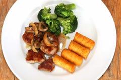 χοιρινό κρέας πιάτων medaillons Στοκ εικόνες με δικαίωμα ελεύθερης χρήσης