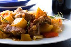 χοιρινό κρέας που μαγειρ&ep Στοκ φωτογραφία με δικαίωμα ελεύθερης χρήσης