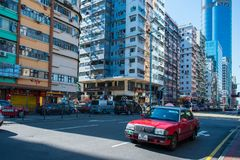 Χονγκ Κονγκ - 10 Ιανουαρίου 2018: Κόκκινο ταξί στην οδό στη Hong Kon Στοκ Εικόνες