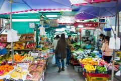 Χονγκ Κονγκ - 13 Ιανουαρίου 2018: Νωποί καρποί στην τοπική αγορά σε Hon Στοκ φωτογραφία με δικαίωμα ελεύθερης χρήσης