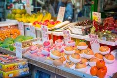 Χονγκ Κονγκ - 13 Ιανουαρίου 2018: Νωποί καρποί στην τοπική αγορά σε Hon Στοκ Εικόνες