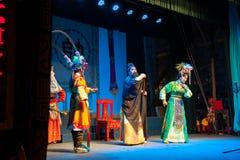 Χονγκ Κονγκ, Κίνα - 1 Σεπτεμβρίου 2013: Φεστιβάλ κουλουριών Chau Cheung, από την Καντώνα όπερα την 1η Σεπτεμβρίου 2013 σε Cheung  Στοκ Εικόνες