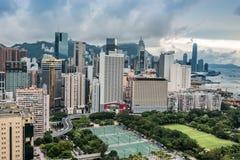 Χονγκ Κονγκ κόλπων υπερυψωμένων μονοπατιών Βικτόρια Παρκ εικονικής παράστασης πόλης στοκ εικόνες με δικαίωμα ελεύθερης χρήσης