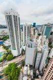 Χονγκ Κονγκ κόλπων υπερυψωμένων μονοπατιών εικονικής παράστασης πόλης στοκ φωτογραφία με δικαίωμα ελεύθερης χρήσης