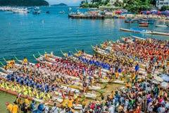 Χονγκ Κονγκ παραλιών του Stanley φυλών φεστιβάλ βαρκών δράκων Στοκ Φωτογραφία
