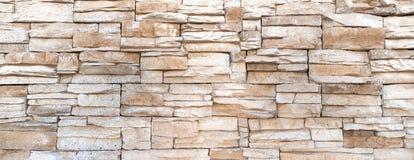 Χονδροειδής τοίχος των επιμηκυμένων πετρών στοκ φωτογραφίες