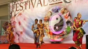 Χορευτές στο φεστιβάλ της Ανατολής στη Ρώμη Ιταλία Στοκ φωτογραφία με δικαίωμα ελεύθερης χρήσης