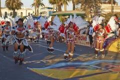 Χορευτές Tobas στο Arica καρναβάλι, Χιλή Στοκ Φωτογραφία