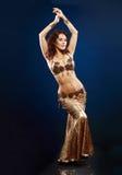 Χορευτής κοιλιών στο χρυσό Στοκ φωτογραφία με δικαίωμα ελεύθερης χρήσης