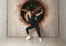 Χορευτής κοριτσιών χορού οδών στοκ φωτογραφία με δικαίωμα ελεύθερης χρήσης
