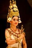 χορευτής κοστουμιών κινηματογραφήσεων σε πρώτο πλάνο apsara παραδοσιακός Στοκ Φωτογραφίες