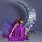 Χορευτής σε ένα όμορφο φόρεμα στοκ φωτογραφία