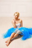 Χορευτής, ballerina Η χαριτωμένη γυναίκα μοιάζει με μια κούκλα σε ένα γλυκό διά Στοκ φωτογραφίες με δικαίωμα ελεύθερης χρήσης