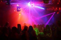 χορεύοντας έφηβοι Στοκ εικόνα με δικαίωμα ελεύθερης χρήσης