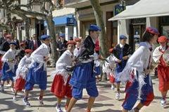 Χορεύοντας αγόρια στην πομπή προς τιμή το ST Domingo Στοκ φωτογραφία με δικαίωμα ελεύθερης χρήσης
