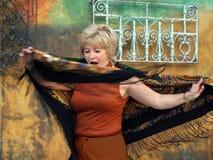 χορεύοντας ανώτερη γυναίκα στοκ φωτογραφίες με δικαίωμα ελεύθερης χρήσης