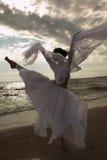 χορεύοντας γυναίκα παρα& Στοκ Φωτογραφία