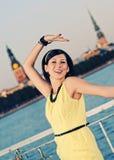 χορεύοντας γυναίκα brunette Στοκ εικόνα με δικαίωμα ελεύθερης χρήσης