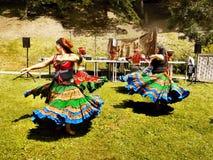 Χορεύοντας γυναίκες, μεσαιωνικό φεστιβάλ Στοκ Εικόνα