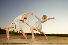 Χορεύοντας γυναίκες Στοκ Φωτογραφίες