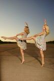 Χορεύοντας γυναίκες Στοκ Εικόνες
